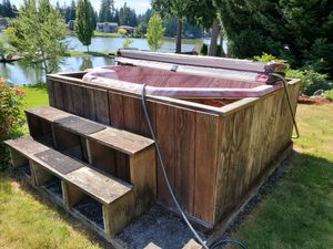 Free Hot Tub for Sale in Bonney Lake, WA