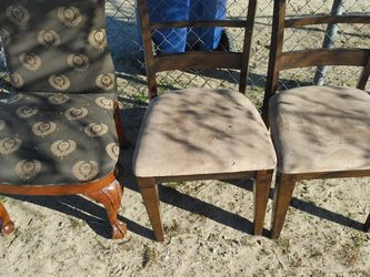 Free Dining Chairs for Sale in Littlerock,  CA