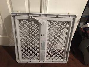 Puerta reja de seguridad para niños for Sale in El Monte, CA