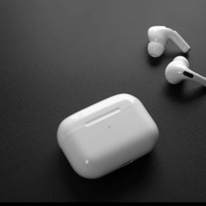 White AirPod Pro for Sale in Columbia, MD