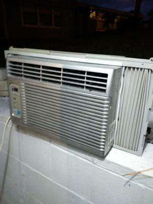LG window ac unit for Sale in Clermont, FL
