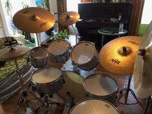 Tama Superstar Complete Drum Set - 12 PC. ( 7 drums and 5 Zildjian Cymbals) with Cymbal Stands Included for Sale in Santa Monica, CA