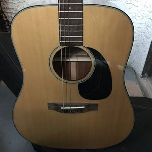 Takamine acoustic guitar g340 used with case for Sale in Henderson, NV