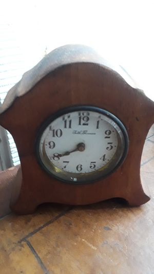 Antique Seth Thomas small wooden desk clock. Not working. for Sale in New York, NY