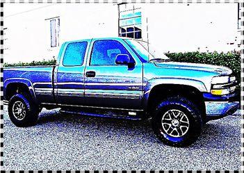 ֆ12OO 4WD Chevrolet SIlverado 4WD for Sale in Norwood,  NJ