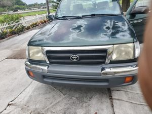 2000 Toyota tacoma for Sale in Tampa, FL
