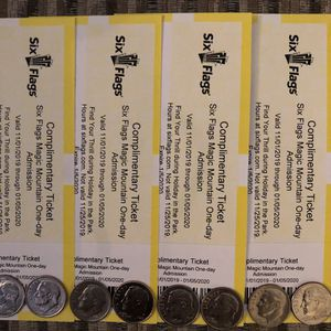 🎢❄️🌲🎁 SIX FLAGS MAGIC MOUNTAIN 🏔 HOLIDAY 🌲🎁 IN THE PARK (4) TICKETS 🎟🎟🎟🎟 $40 EACH FIRM 🎢❄️🌲🎁 for Sale in Lynwood, CA