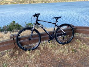 Giant mountain bike, large frame for Sale in Vallejo, CA