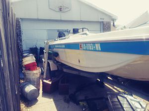 Boat 14 foot as is electric motors title for trailer for Sale in Lewisville, TX