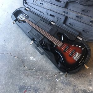 FIXABLE Bass (With Case) for Sale in Lehigh Acres, FL
