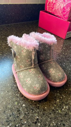 Sketchers Baby Girl Boots - Size 3-6 months for Sale in Hoffman Estates, IL