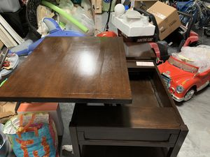 Lift up coffee table for Sale in West Palm Beach, FL