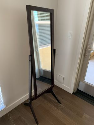 Full body mirror for Sale in Belmont, CA