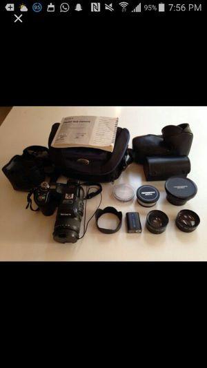 Sony Cyber Shot Dcs- F828 for Sale in Seattle, WA
