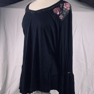 Black Floral Embroidered Mesh Neckline with Bell Sleeves (3X) for Sale in Provo Canyon, UT