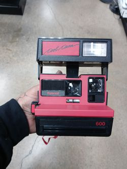 Vintage Polaroid 600 instant camera for Sale in Denver,  CO