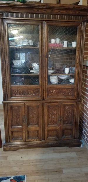 Beautiful China cabinet for Sale in Carbondale, IL
