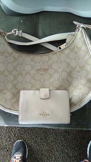 Handbag and matching wallet for Sale in Las Vegas, NV