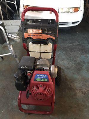 Craftsman pressure washer, Honda 6.0 engine, 2800 psi, pump is broken for Sale in North Miami, FL