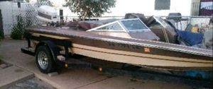 Hydrasport 18ft fiberglass Bass ski boat for Sale in Mesa, AZ
