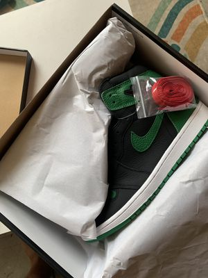 Air Jordan 1 Retro High Pine Green (Size 11) for Sale in Los Angeles, CA