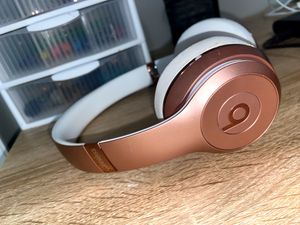 beats wireless headphones for Sale in Melrose, MA