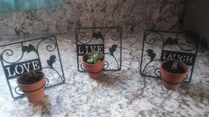 Wall hanging are can stand succulents in pots for Sale in Stockton, CA