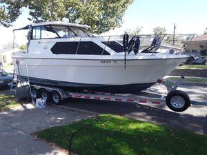 Cierra bayliner 28ft luxury fishing boat for Sale in Lakewood, CA