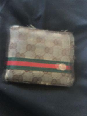 Gucci wallet for Sale in Las Vegas, NV