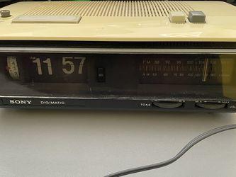 Vintage Sony Digimatic TFM-C650W Clock Radio Works Excellent for Sale in San Fernando,  CA