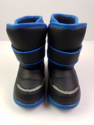 Toddler Boys Lined Winter Slip On Snow Boots Size 9 for Sale in Walton Hills, OH