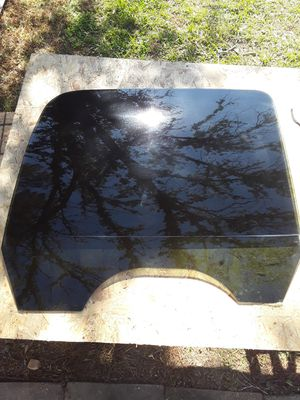 99-06 GM Rear Passenger Window In Excellent Condition. for Sale in Baton Rouge, LA
