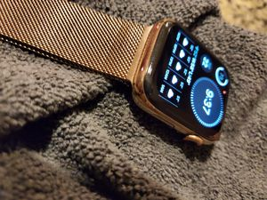 Apple Watch Series 5 stainless steel gold gps cellular 44mm for Sale in Mission Viejo, CA