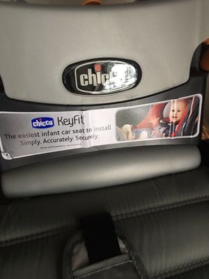 Chicco keyfit car seat base for Sale in Webster, NY