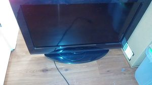 Toshiba. 35 in. Color tv for Sale in Puyallup, WA