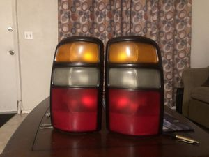 2000-2006 Chevy Tahoe suburban Brake lights chevy parts for Sale in Oakland Park, FL