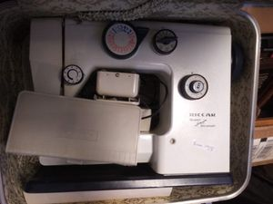 Riccar sewing machine with case for Sale in Pinellas Park, FL
