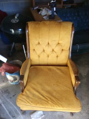 Vintage sofa and chairs for Sale in Powhatan, VA