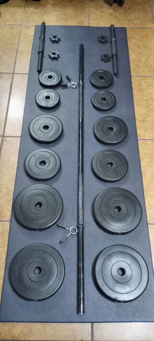 Adjustable dumbbells weights set.4x5lbs.4x2.5lbs.4x1.5lbs.total.40lbs.plus 5 feet barbell. brand new in box for Sale in Long Beach, CA