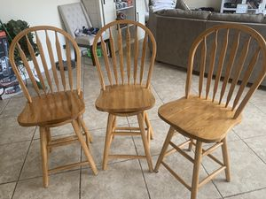Three swivel stools for Sale in Las Vegas, NV