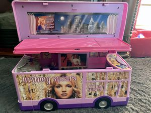 BRITNEY SPEARS CONCERT TOUR BUS 2001 for Sale in Kissimmee, FL
