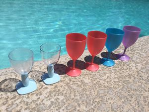 Plastic Pool Wine Cups 🍷 for Sale in Fresno, CA