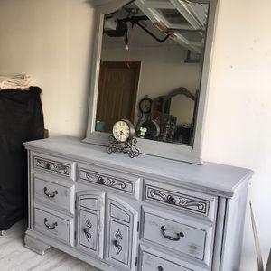 Dresser With Mirror for Sale in Manassas, VA
