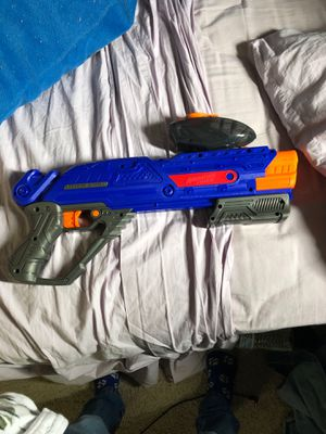A tactical nerf gun only takes soft yellow balls blue red orange grey for Sale in Antioch, CA