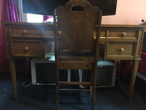 Antique Desk & Chair for Sale in Cleveland, OH