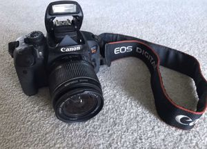 Canon T4i 18.0 MP digital SLR Camera VERY low shutter count for Sale in West Linn, OR
