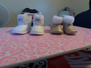 Carter baby boots 0-3months/3-6months for Sale in El Cajon, CA