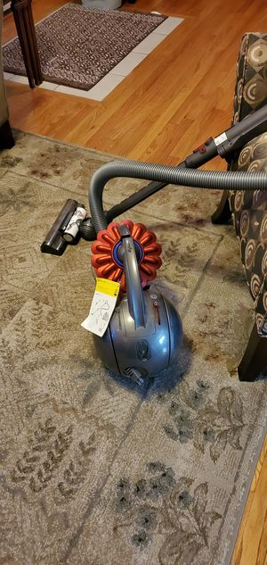 Dyson DC 39, Like New, Excellent Condition for Sale in Aurora, IL