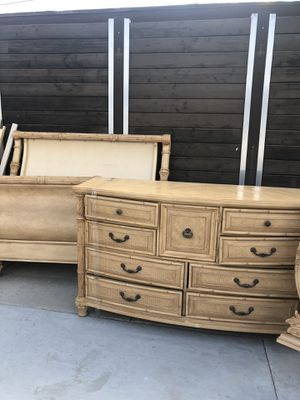 Ashley Queen Bedroom Set for Sale in Hawthorne, CA