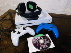 Xbox one X comes with 2 wireless controllers , astro headset an modern warfare for Sale in Toledo, OH